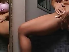 sexy bodybuilder fingering cunt and squirting