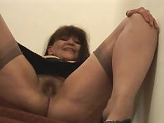Granny shows her pussy - 3