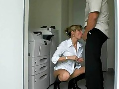 Milf ass fucked in office (Camaster)