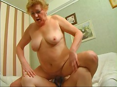 Russians mature moms and strapon! Amateur!