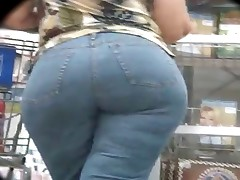 Big Butt BBW Granny in the market - 44